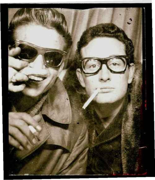 waylon jennings buddy holly flip bird middle finger