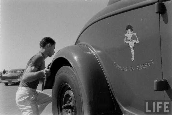 The same car & crew as above at the Santa Ana Drags-- late 50s.