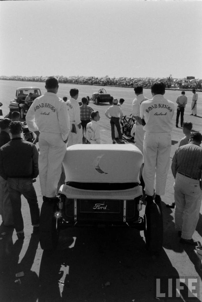 Tony Ivo and the Road Kings crew at the Santa Ana Drag Strip--  sometime from '57 to '59.