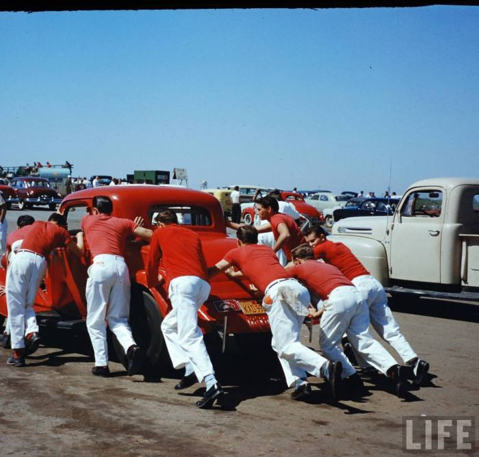 What a great, visually graphic shot take at Santa Ana Drags-- late 50s.