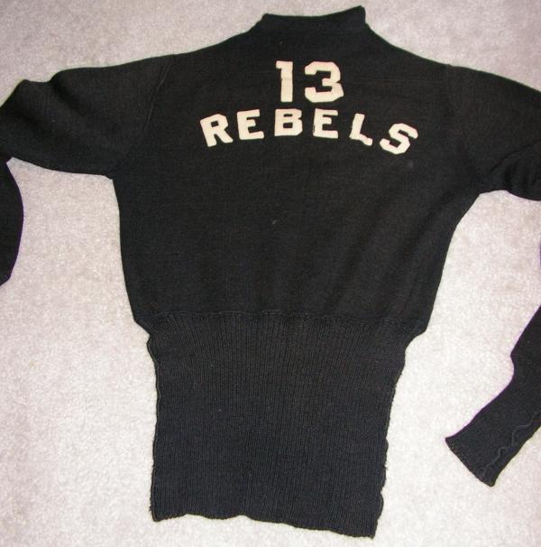 NOSTALGIA - Page 38 13_rebels_sweater_back1