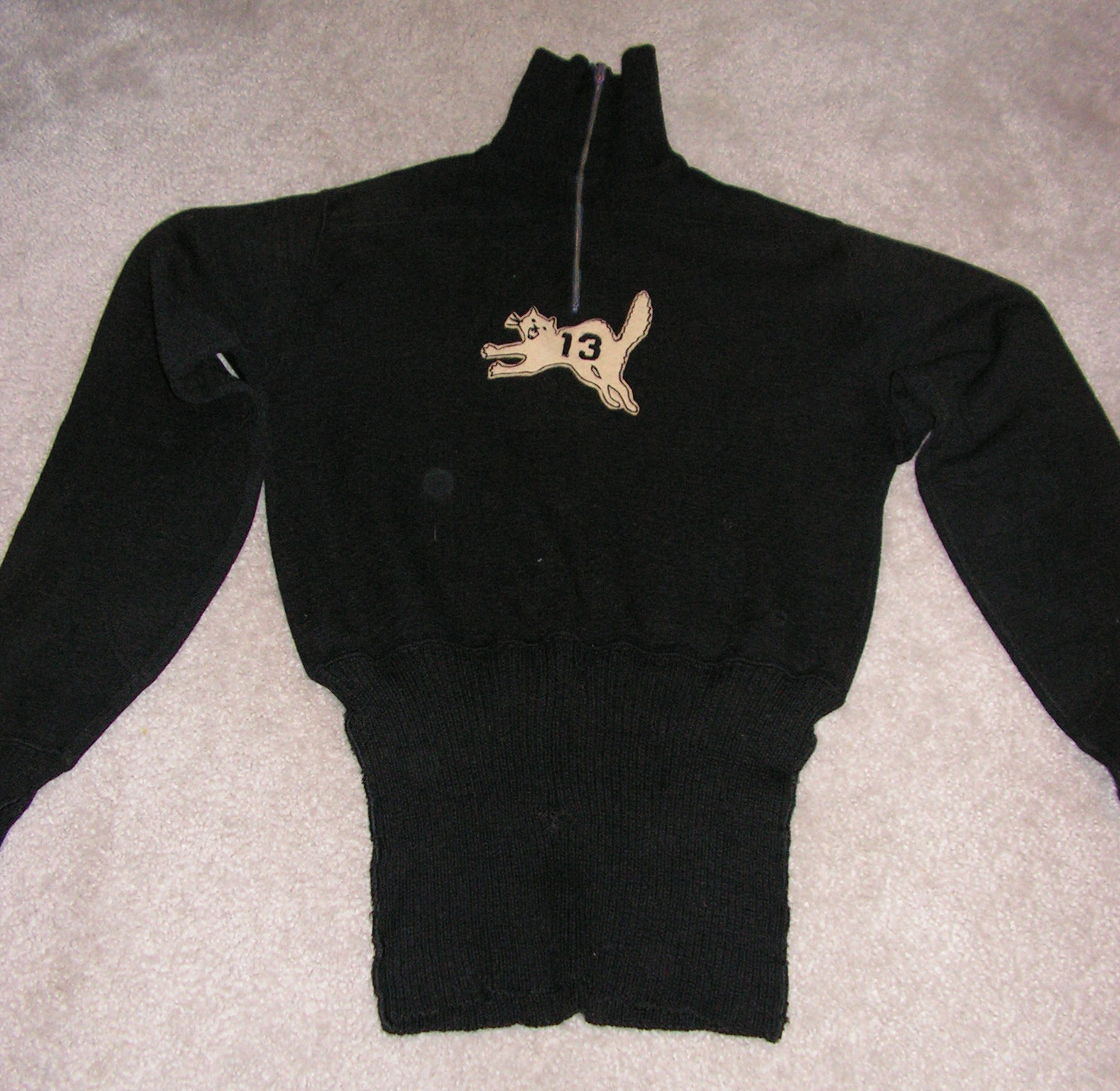 13 Rebels sweater front