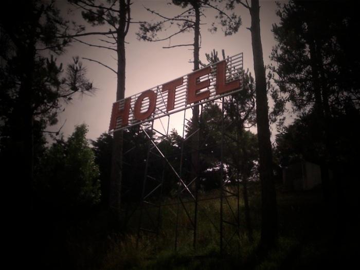 Santana Hotel sign in Vila do Conde