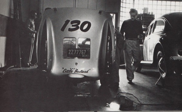 """Эймс Дин и его 1955 Серебряный Porsche Spyder - """"Little Bastard"""""""