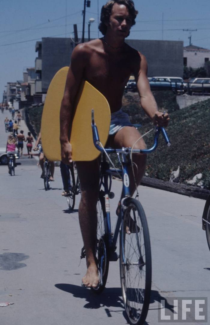 Cruisin' to the beach on the Schwinn for a little surfing action.