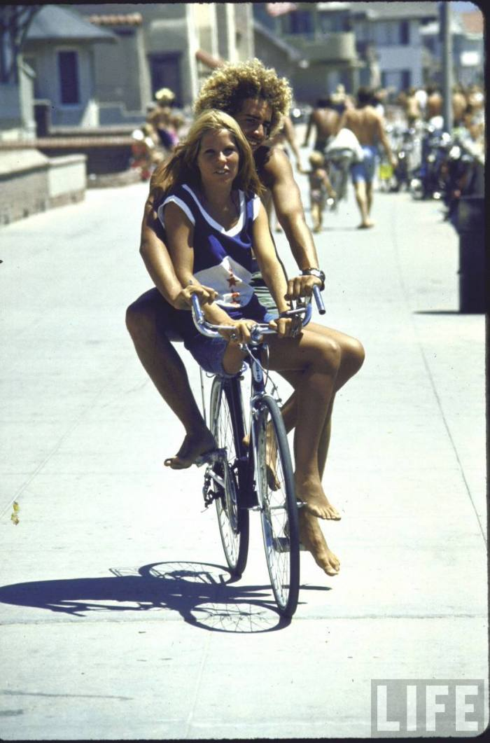 Love this shot-- California chill beach style at its best.  Schwinn ten-speeds ruled back in the day.