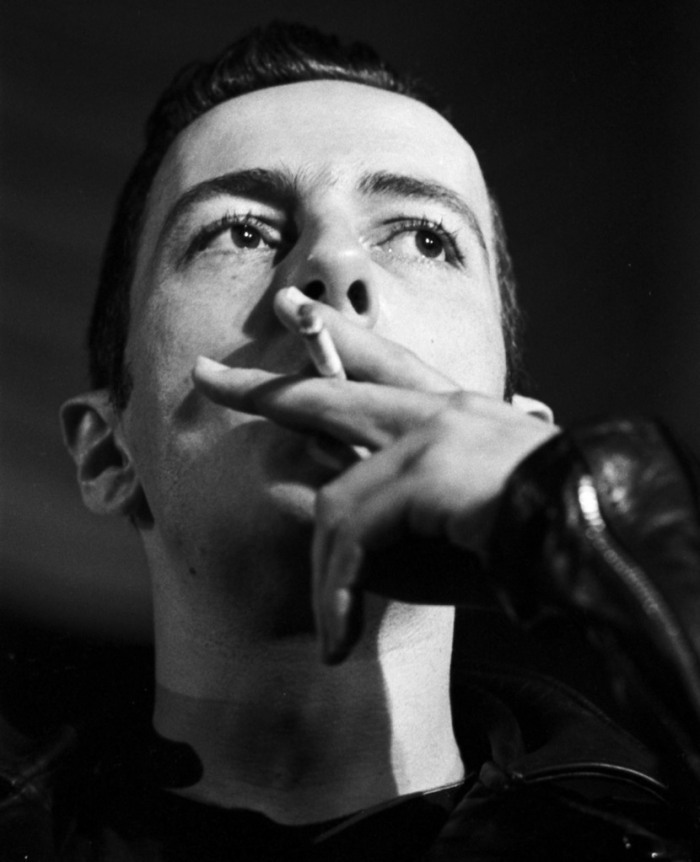 Joe Strummer of The Clash, LA 1983.  (Photo by Ann Summa/Getty Images)