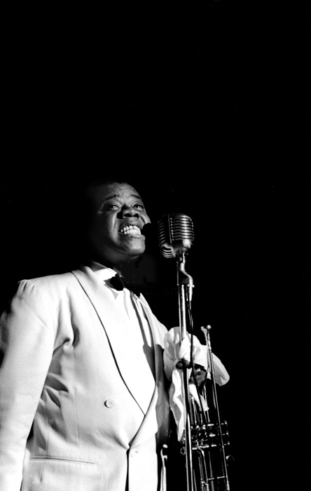 Louis Armstrong singing, Bal Tabaran, Los Angeles, 1950  --Bob Willoughby