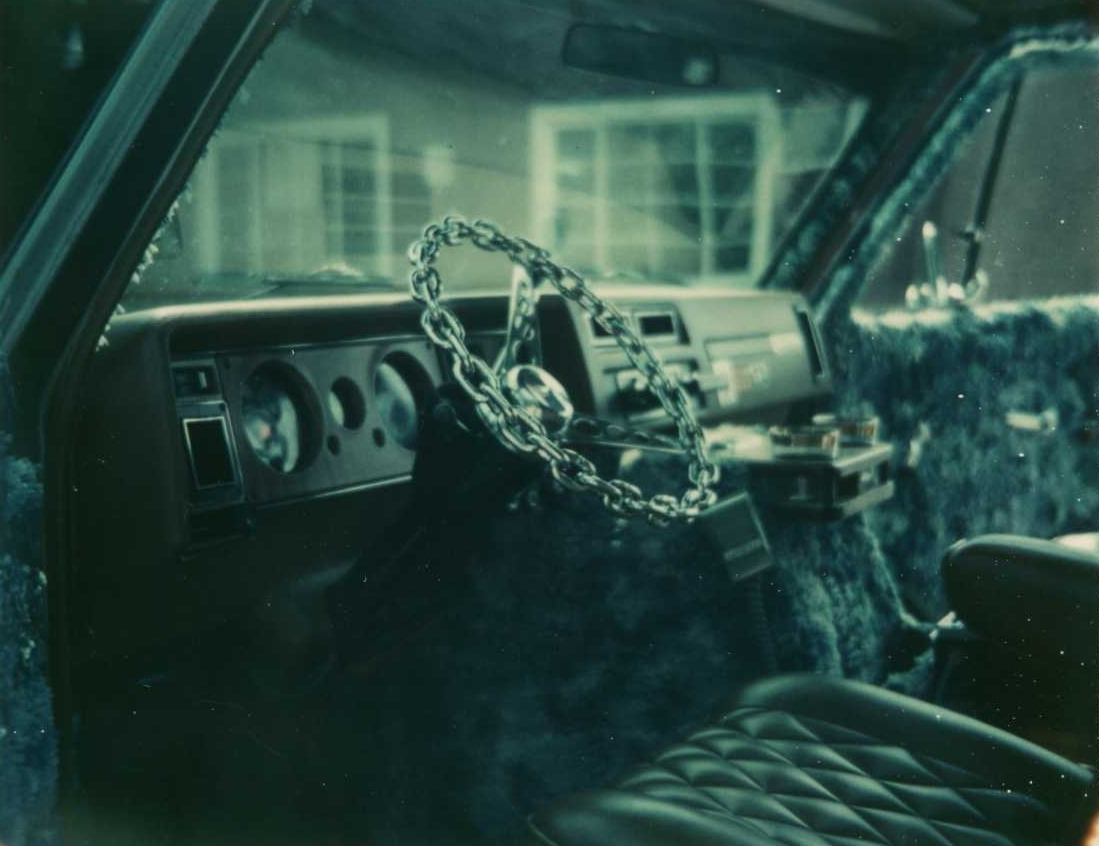 70s-custom-van-interior-chain-steering-w