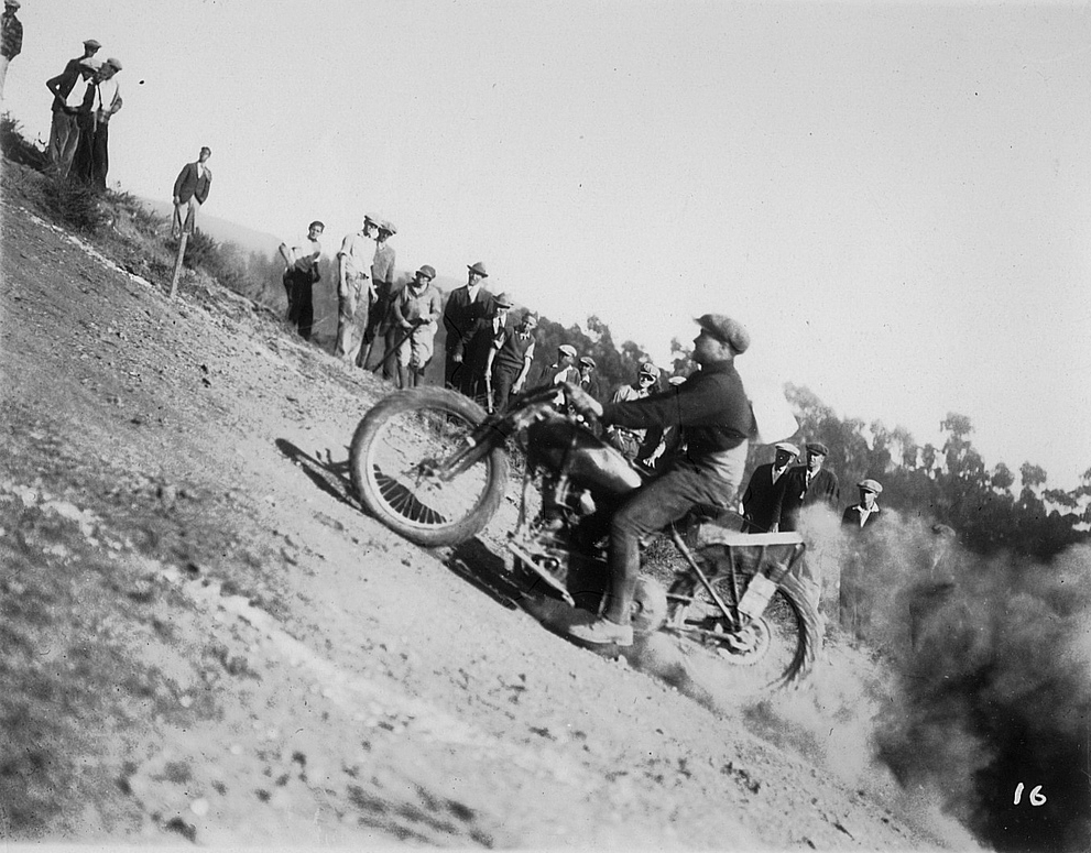 HILL CLIMBIN' - Page 4 Indian-oakland-motorcyle-club