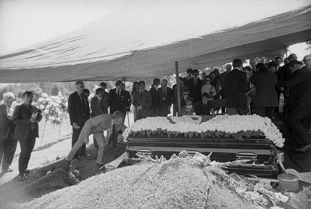 Bruce Lee funeral steve mcqueen