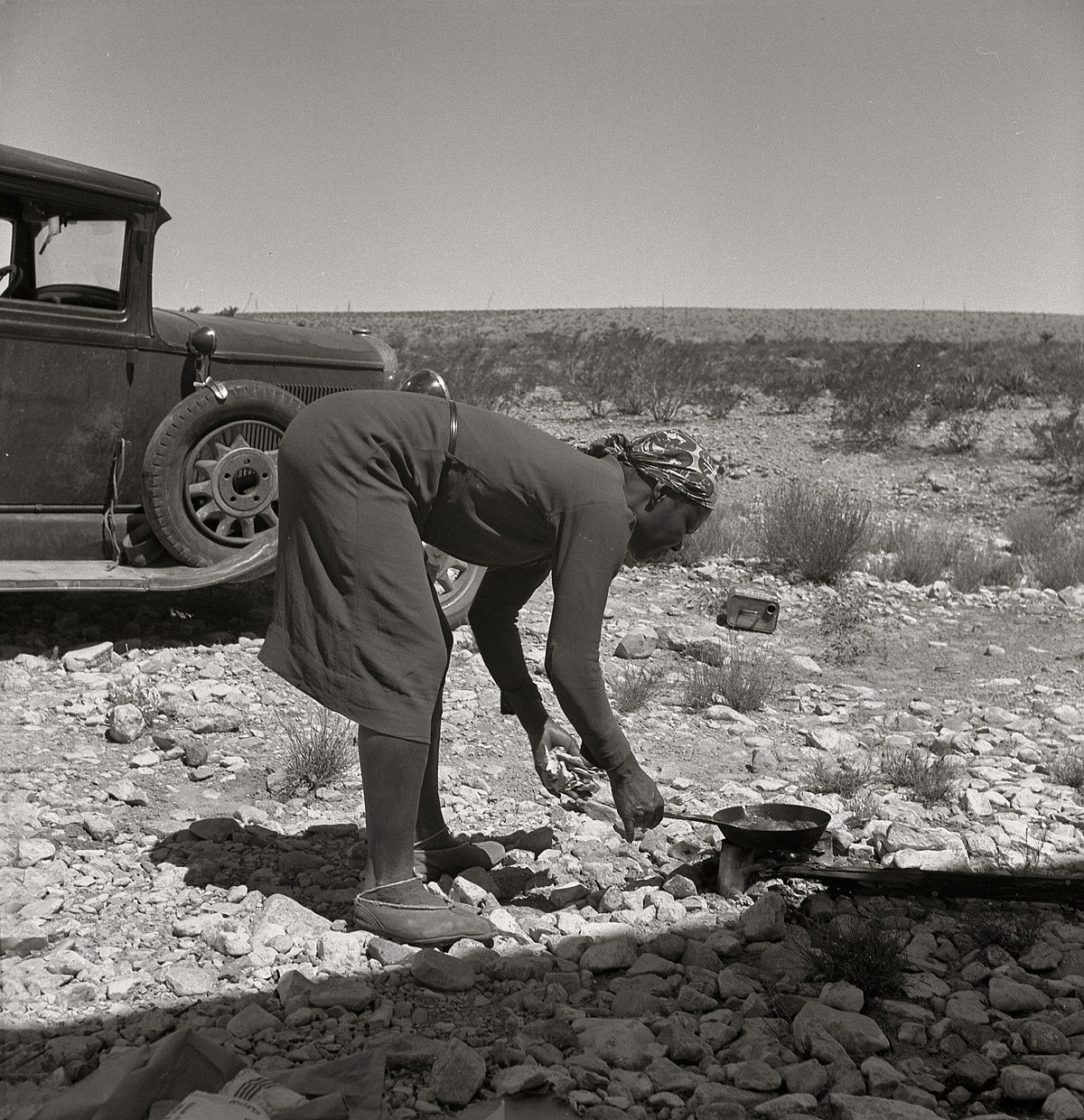 dorothea lange an american photographer Dorothea lange: dorothea lange, american documentary photographer whose portraits of displaced farmers during the great depression greatly influenced later documentary and journalistic photography.