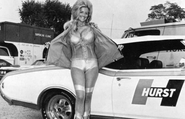 Alone! vintage nud car pinups apologise