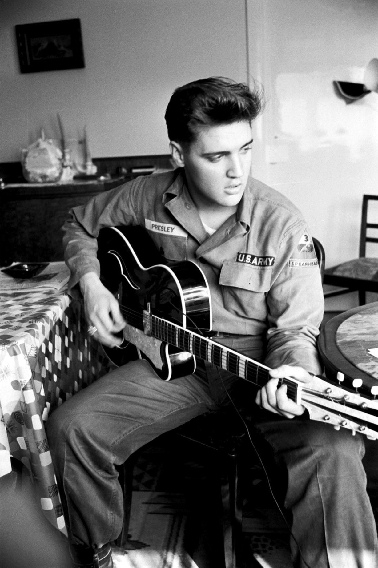 """""""A Little Less Conversation JXL Remix """" Elvis Presley"""