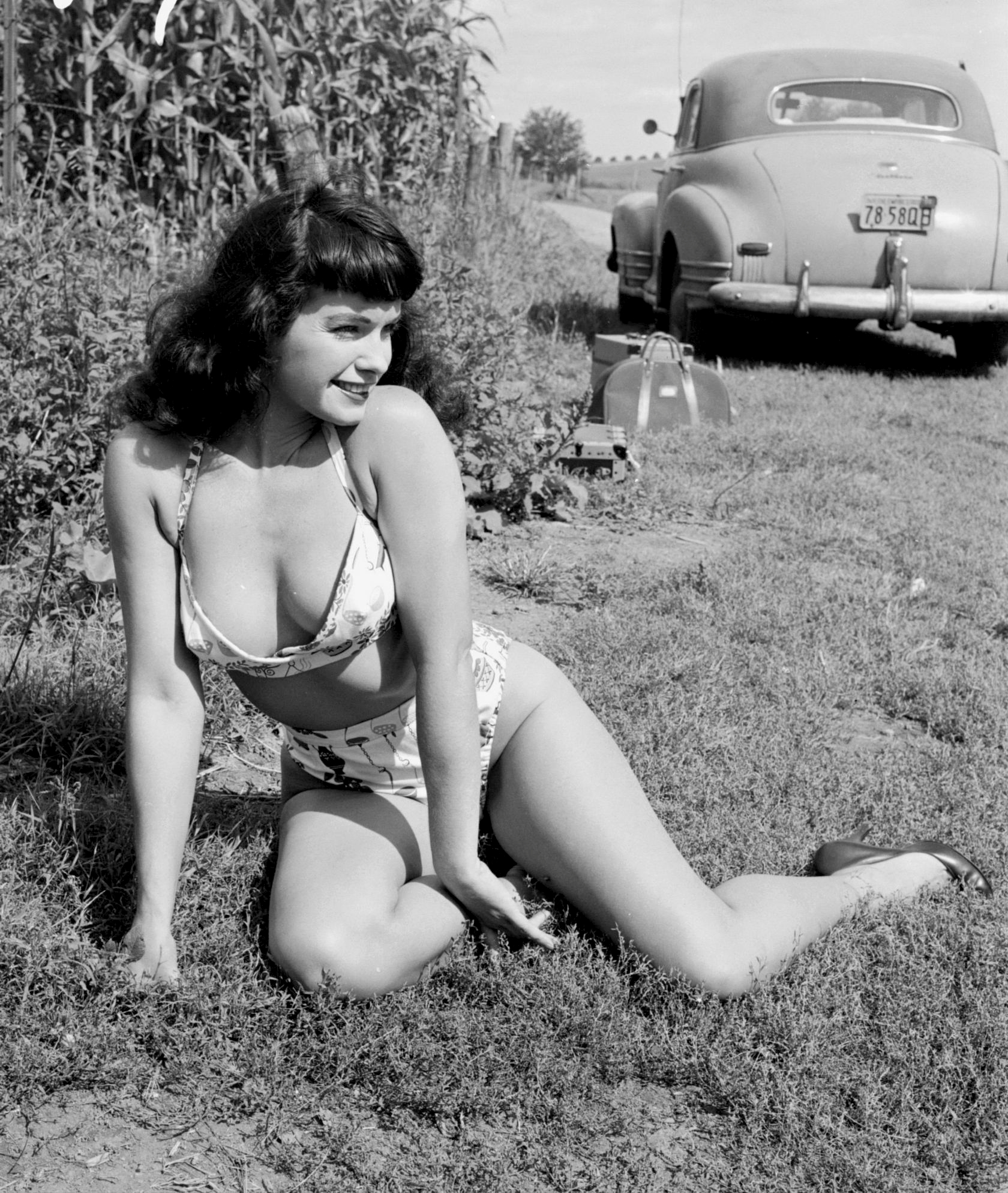Betty Page Photos: Social Anxiety Forum