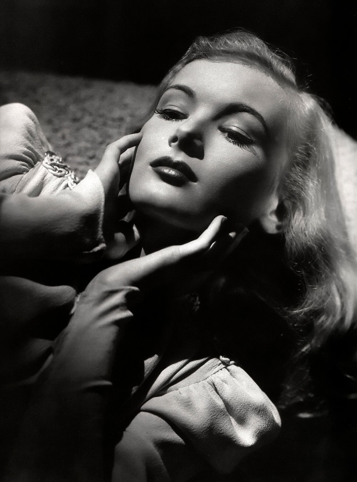 VERONICA LAKE | THE PEEK-A-BOO PINUP OF HOLLYWOOD'S GOLDEN ...  VERONICA LAKE |...