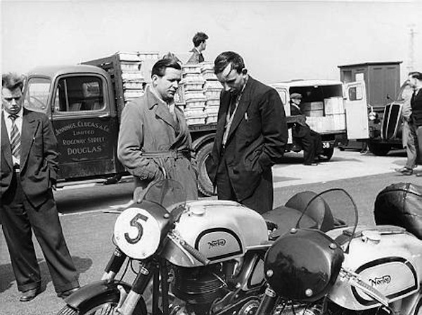 john-surtees-norton-motorcycle