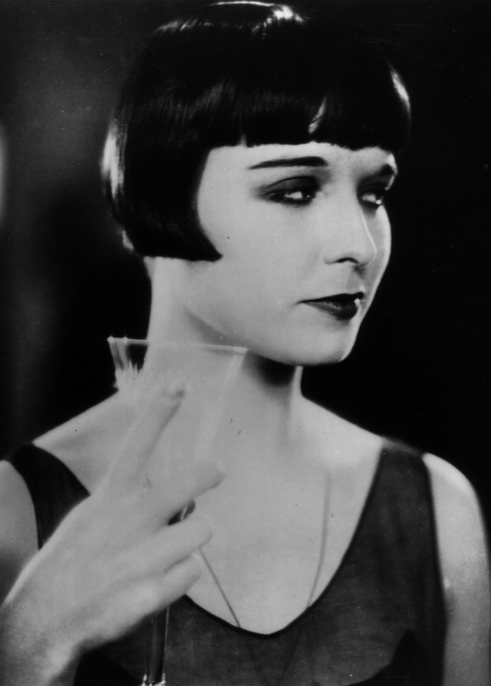 The Original It Girl Of The 1920s The Allure Of Louise