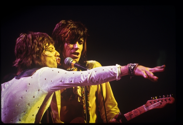 http://theselvedgeyard.files.wordpress.com/2011/09/rolling-stones.jpg?w=600&h=409
