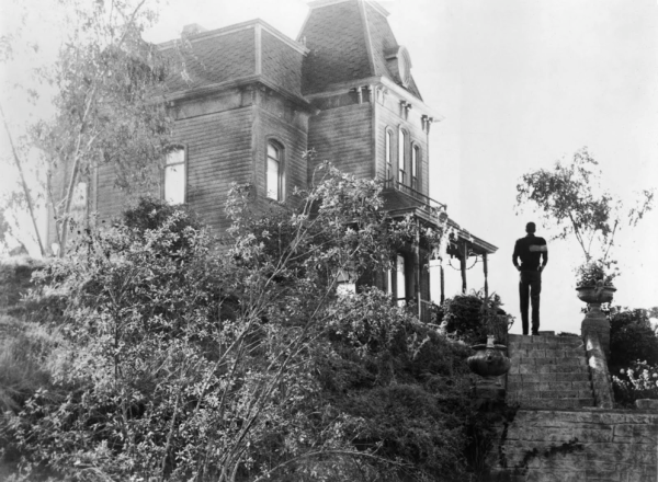 https://theselvedgeyard.files.wordpress.com/2012/06/normn-bates-psycho-house-hitchcock.png?w=600&h=440