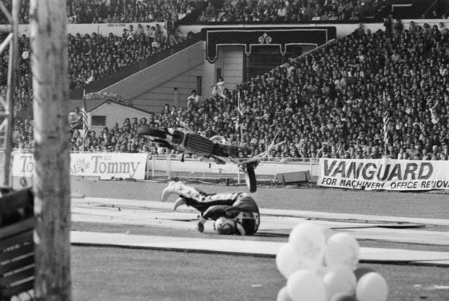 Evel Knievel Harley Davidson Chopper Photograph By Frank: VINTAGE EVEL KNIEVEL IN HIS