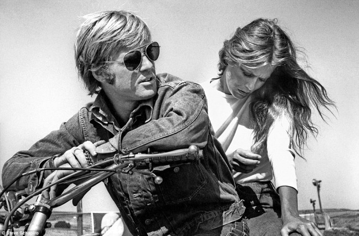 ROBERT REDFORD LAUREN HUTTON MOTORCYCLE PHOTO