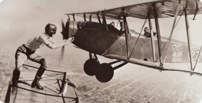 Gladys Ingle 13 Black Cats plane stunt