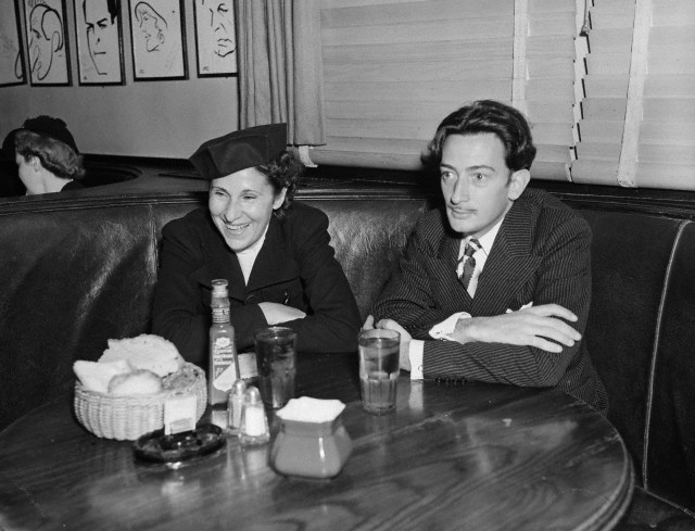 Salvador and Gala Dali at Restaurant