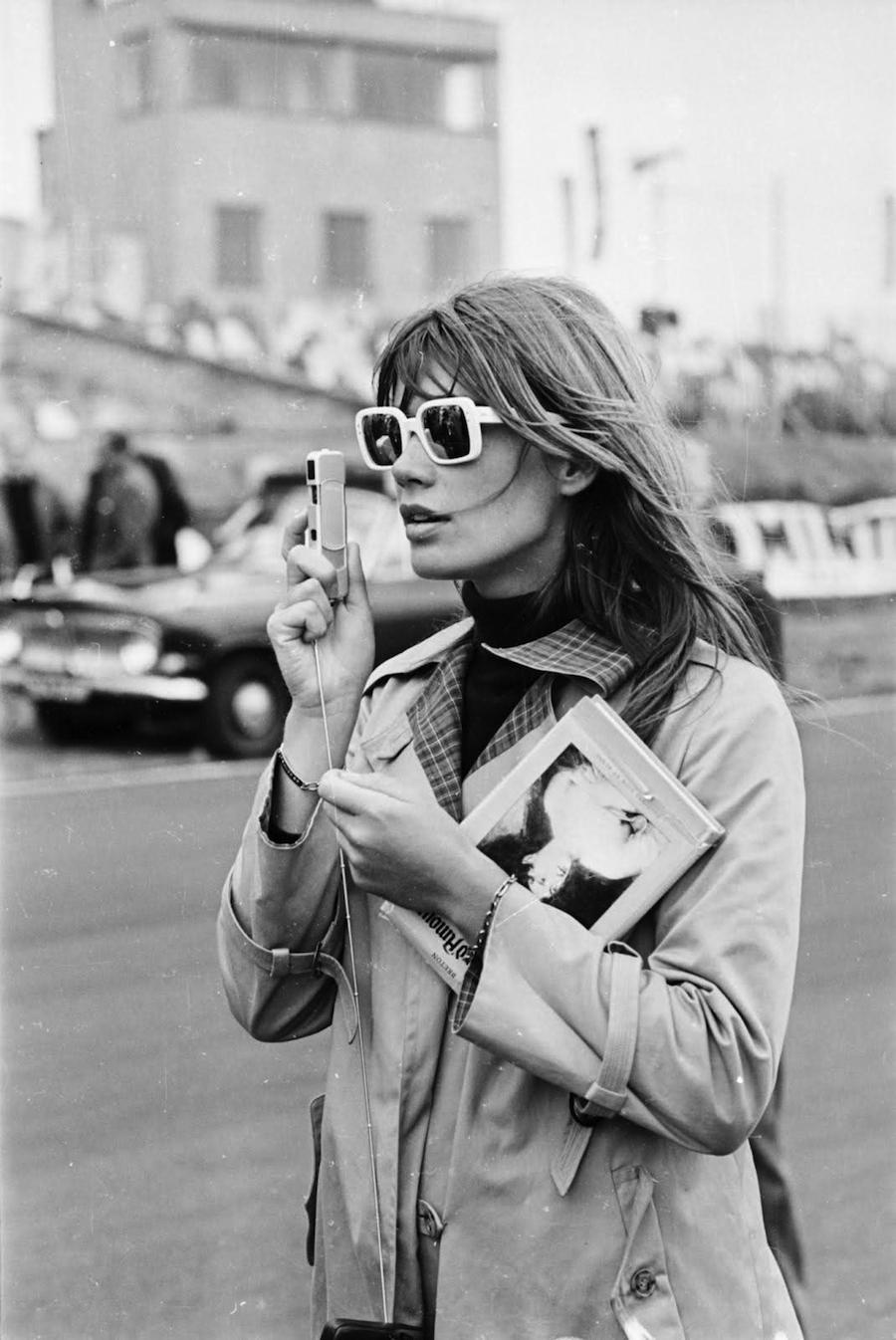 francoise-hardy-sunglasses-camera.jpg?w=