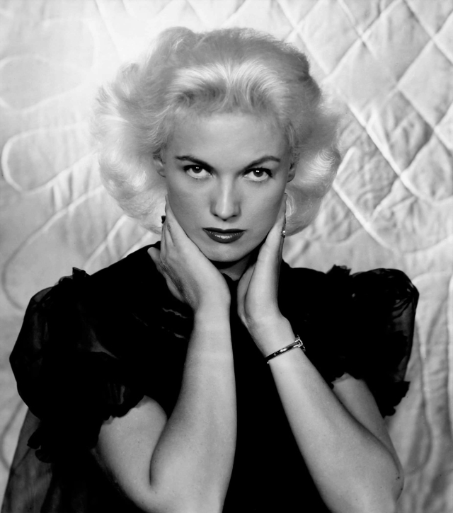 Bunny Yeager-self-portrait-after-Jean-Harlow