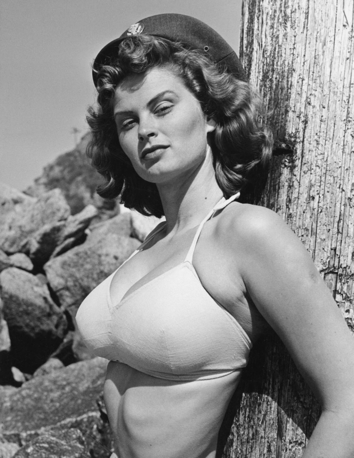 the towering 5 10 beauty irish mccalla 1950s queen of
