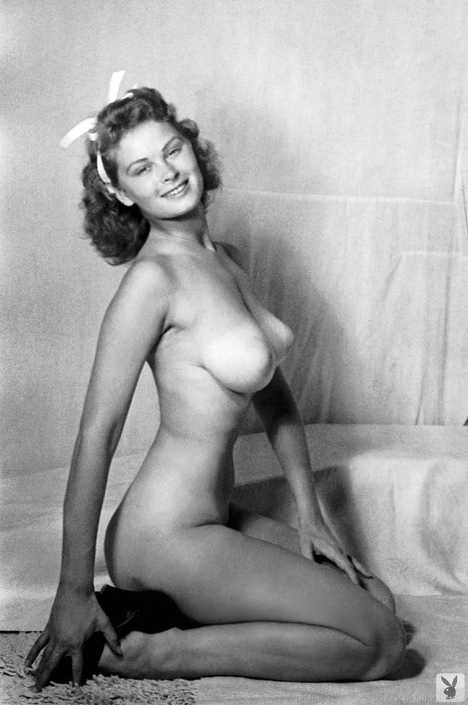Gloria delaney nude big boobs in penitentiary