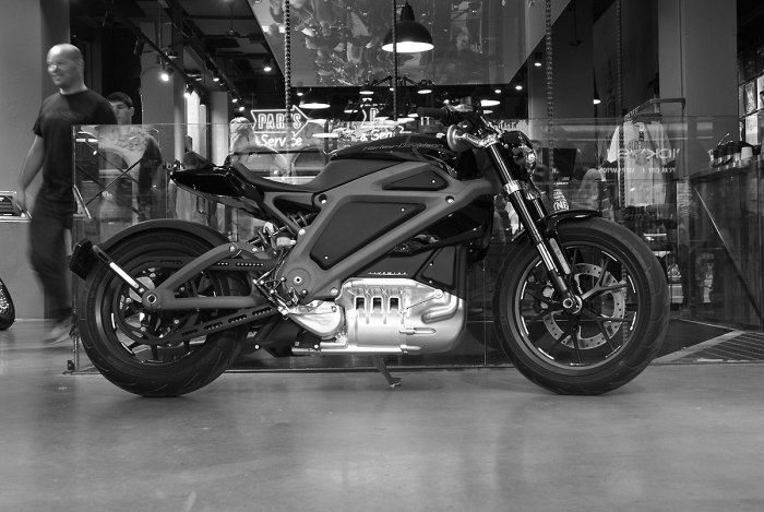 TSY THE SELVEDGE YARD HARLEY-DAVIDSON LIVE WIRE MOTORCYCLE PHOTO NYC BW