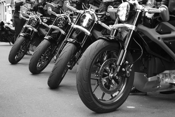 TSY THE SELVEDGE YARD HARLEY-DAVIDSON LIVE WIRE MOTORCYCLES LAUNCH RIDE NYC BW