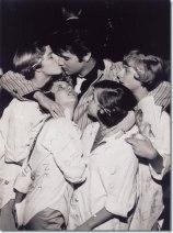 1957_march_st_louis_elvis_with_fans