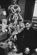 elvis_christmas_tree-x600