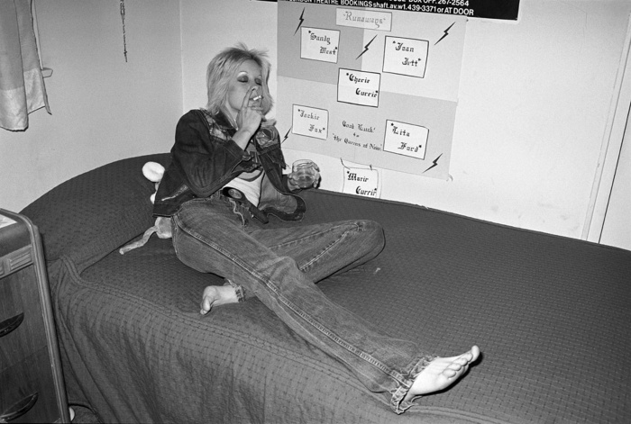 SmokingCherieCurrie
