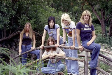 the runaways lita ford joan jett