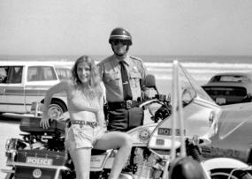 PULSATING PAULA DAYTONA BEACH BIKE WEEK MOTORCYCLE COP 1980S