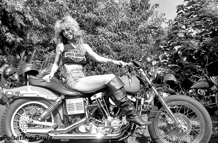 PULSATING PAULA LAURIE SMELTZER HARLEY DAVIDSON SHOVEL 1980S