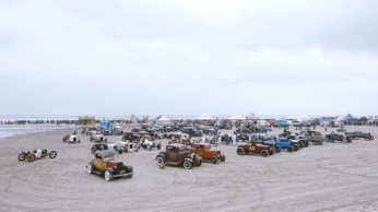 A TROG THE RACE OF GENTLEMEN WILDWOOD NJ VINTAGE HOT ROD BEACH RACE PHOTO