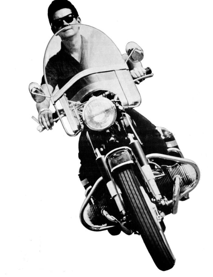 Roy_Orbison_on_motorcycle_1965