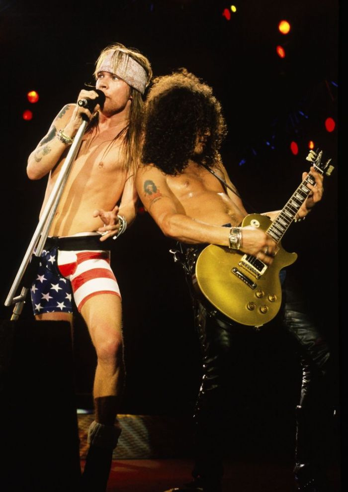 axl rose slash gold top les paul guitar gunsnroses
