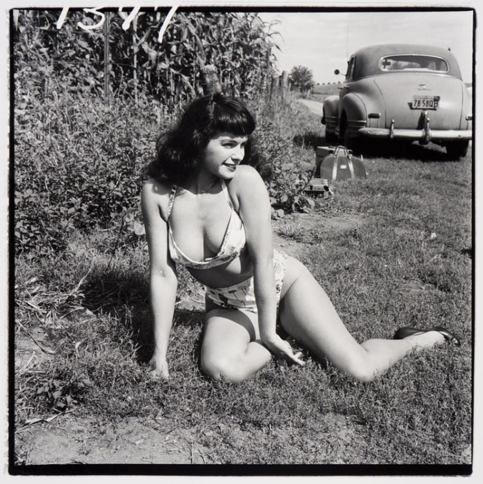 bettie_page_nude_car_weegee
